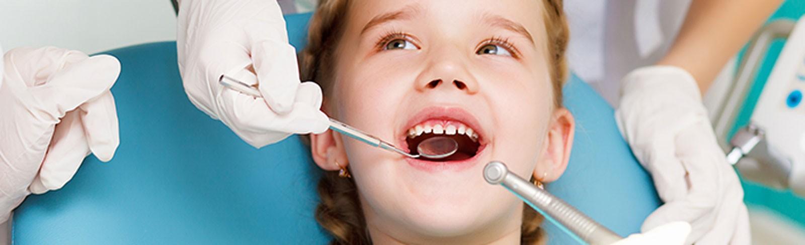 Limpieza dental, responsabilidad de papi y mami.
