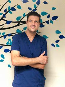 Dr. Alejandro -Periodoncia e Implantología-